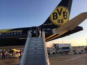 ボルシア・ドルトムントのロゴ入り航空機1