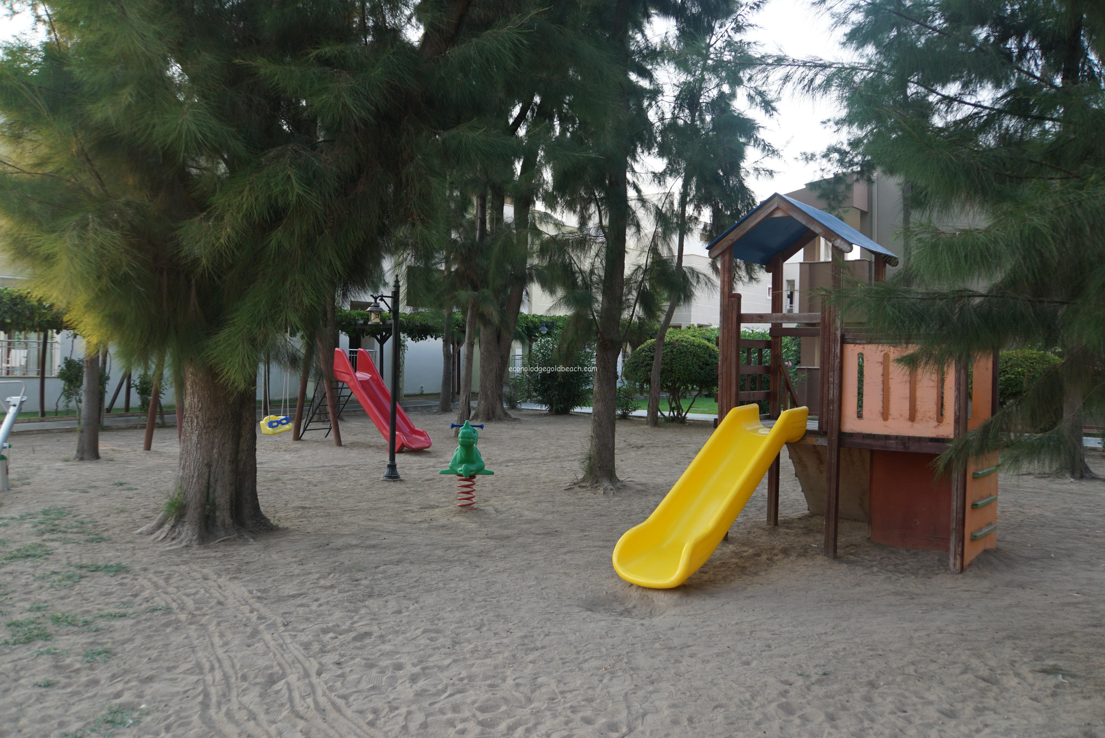 子供用のプレイランド 野外