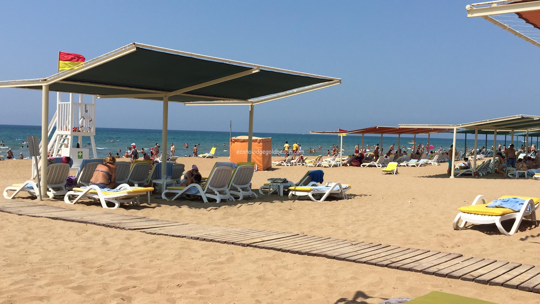Kamelya World のプライベートビーチ
