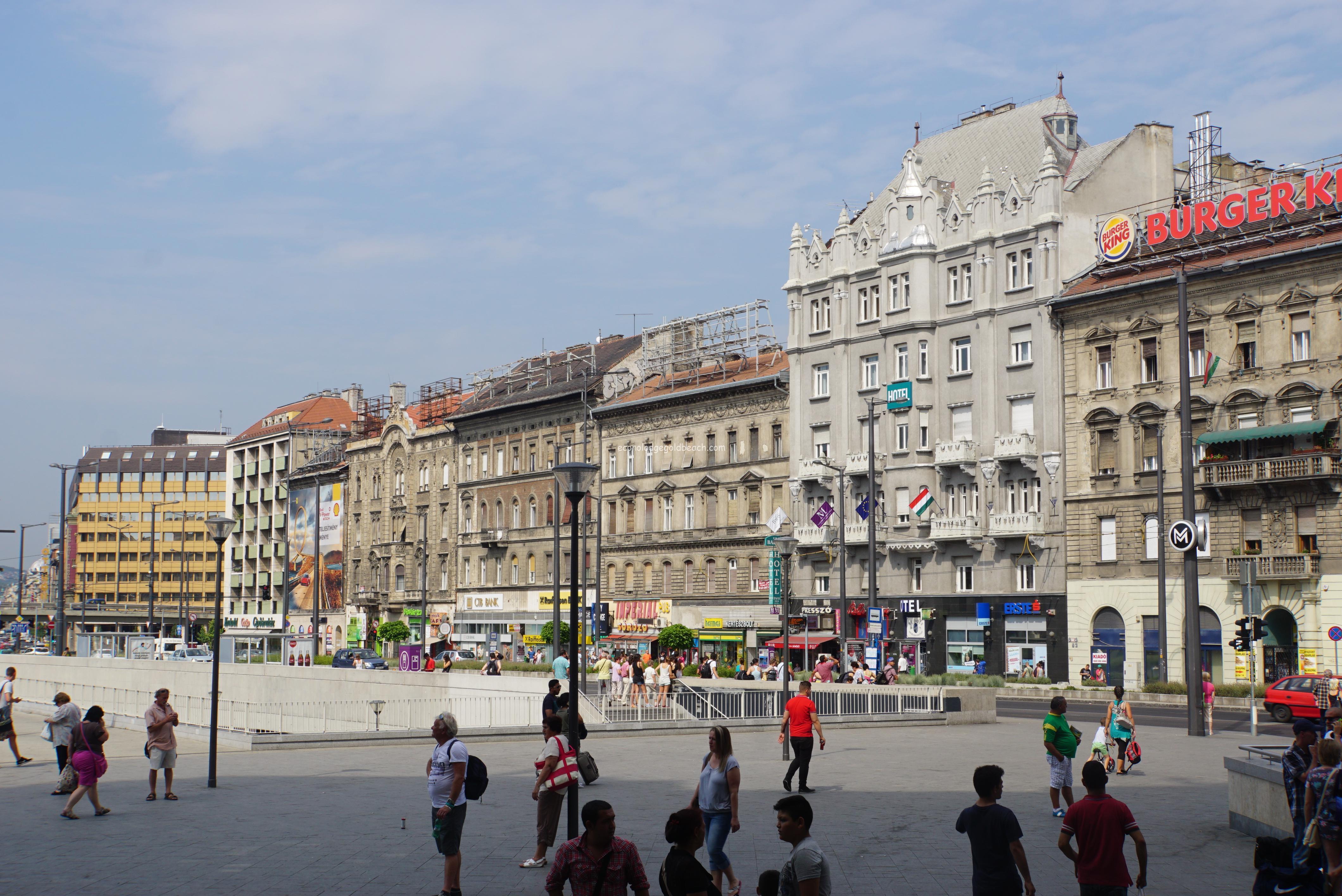 ブダペスト駅前1