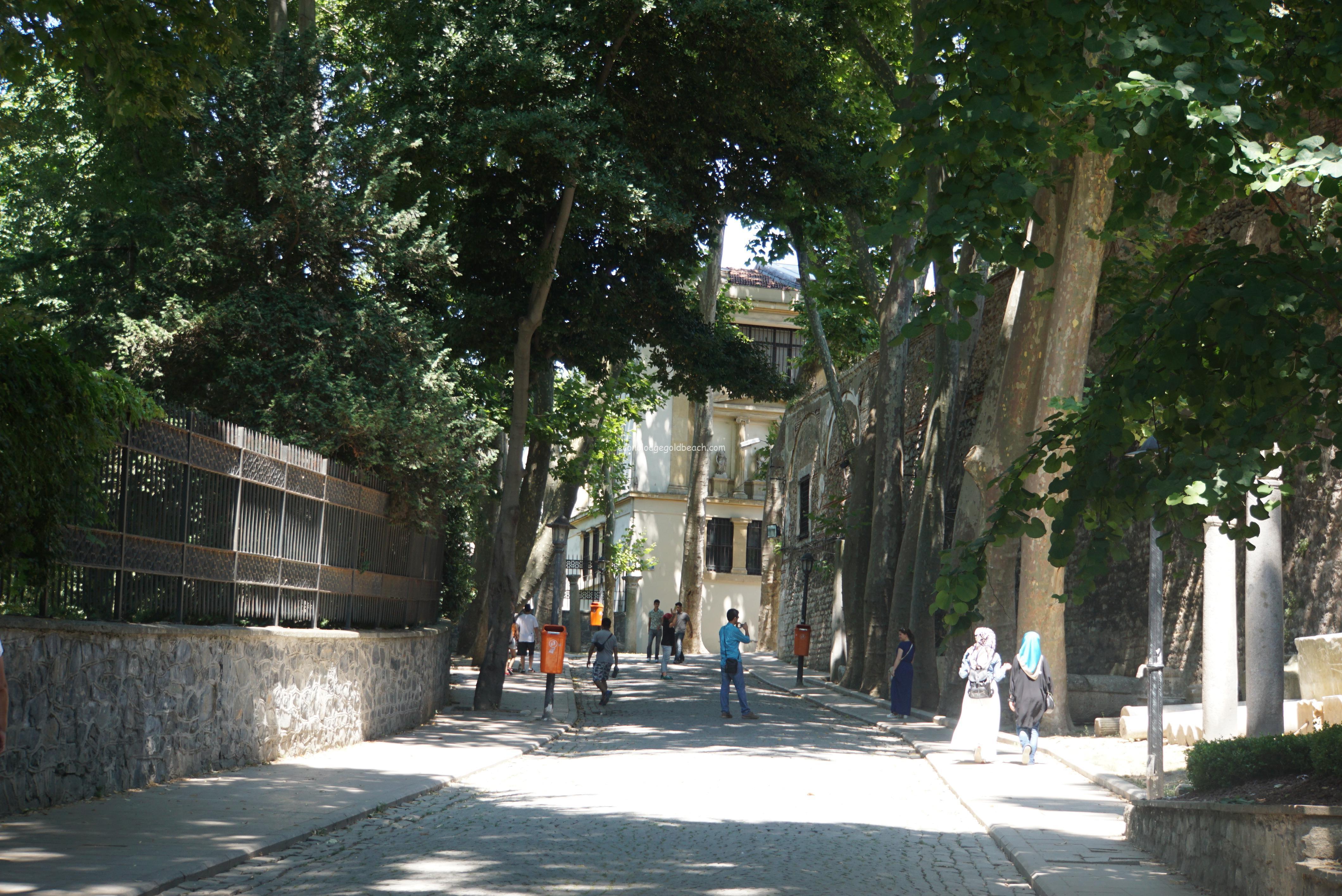 トプカプ宮殿に向かった時の坂道