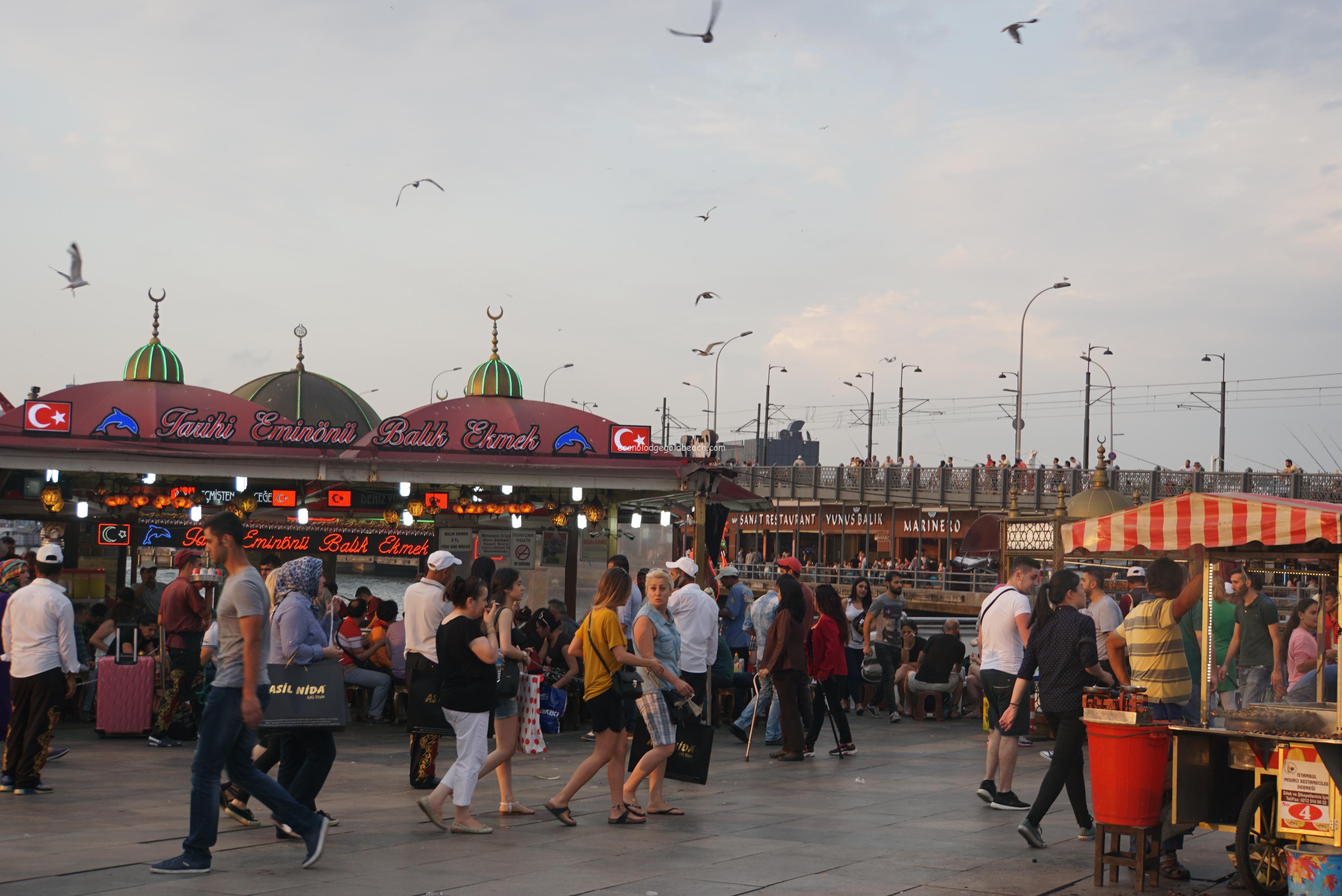 イスタンブール エミノニュ広場