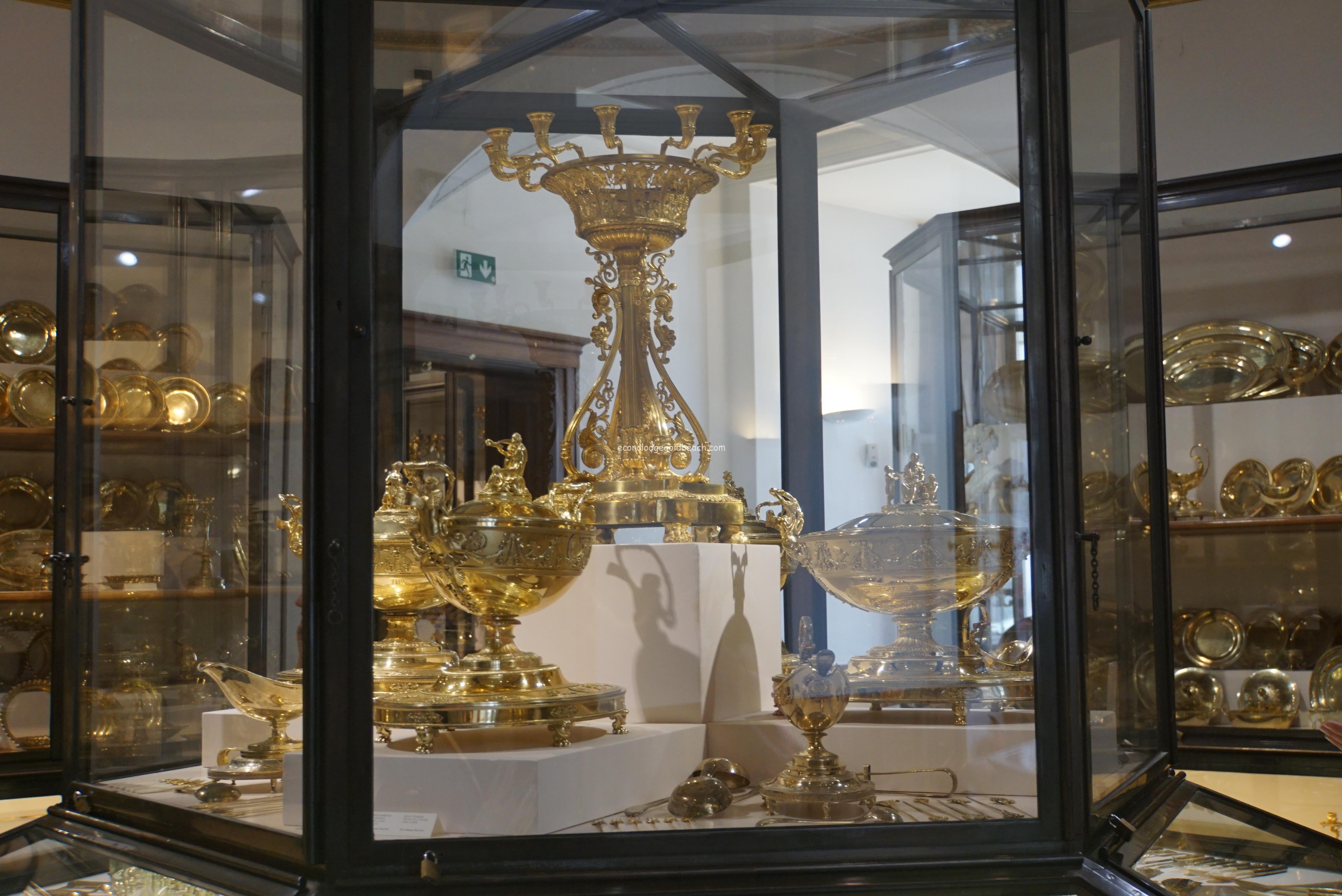旧王宮 銀器博物館内3