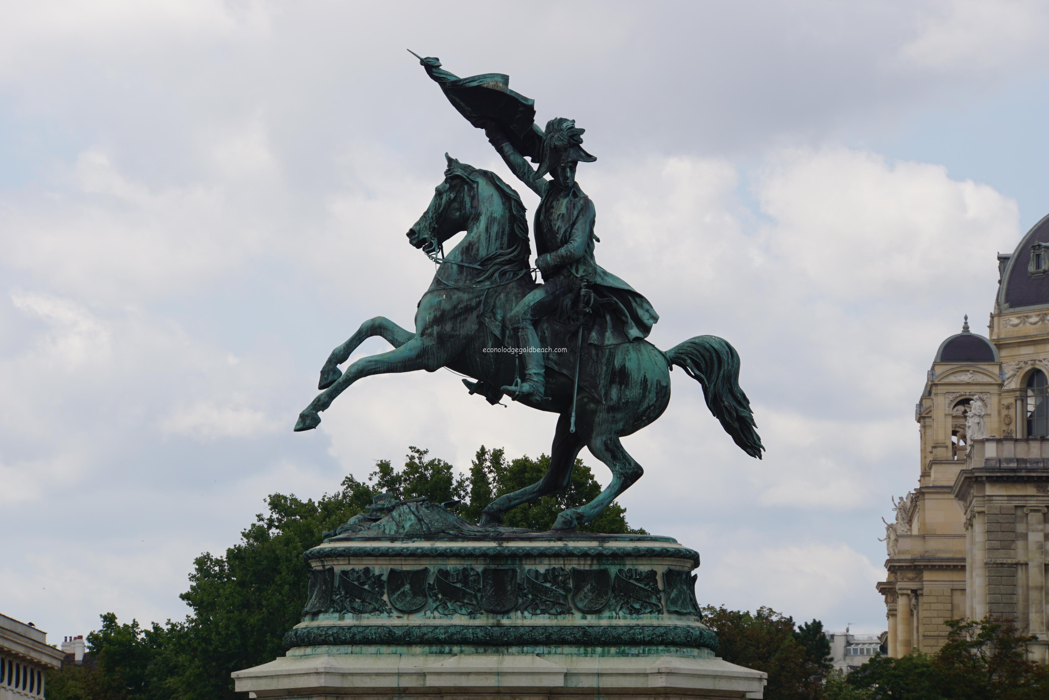 ウィーン王宮 カール大公騎馬像