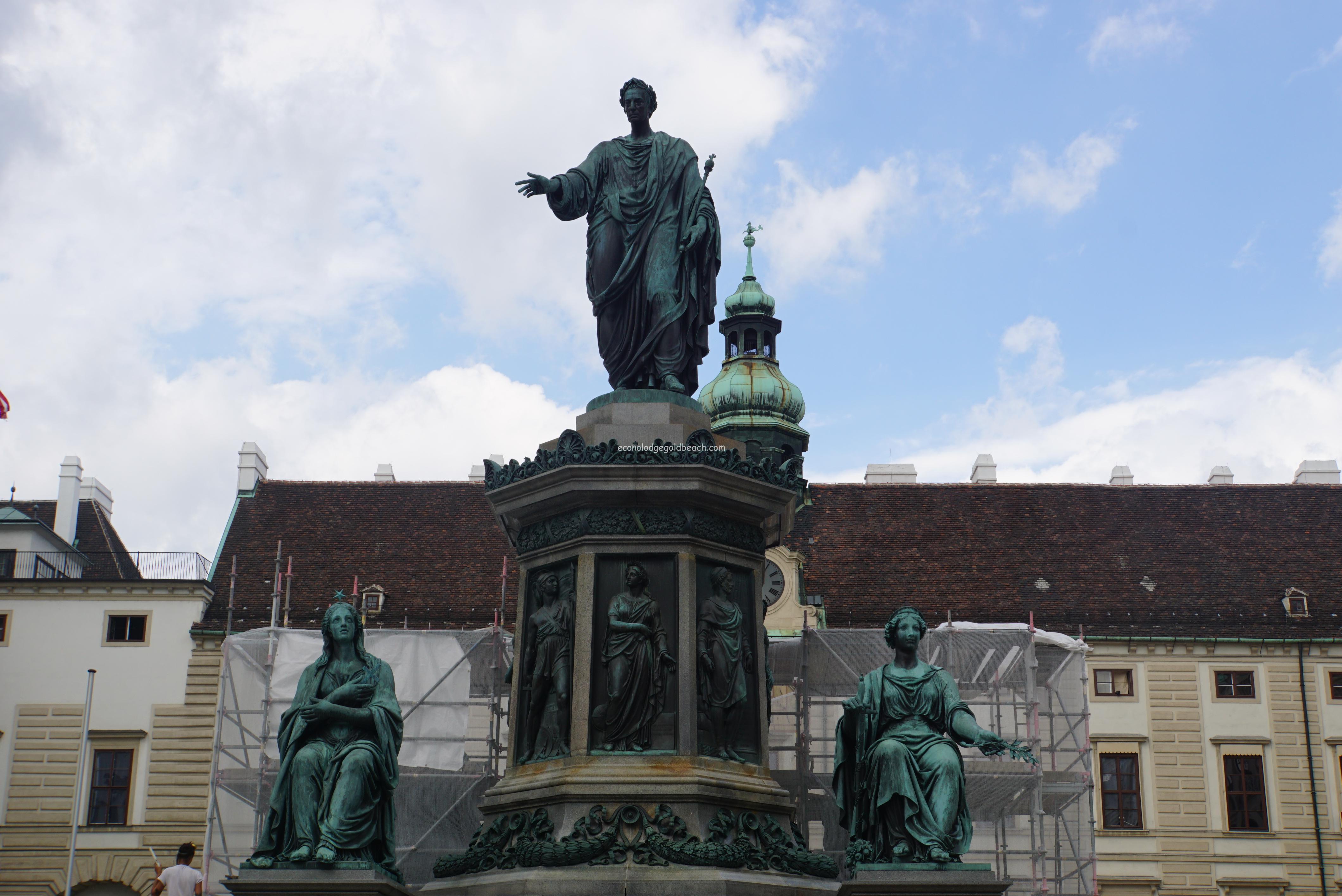 ウィーン旧王宮フランツ2世像