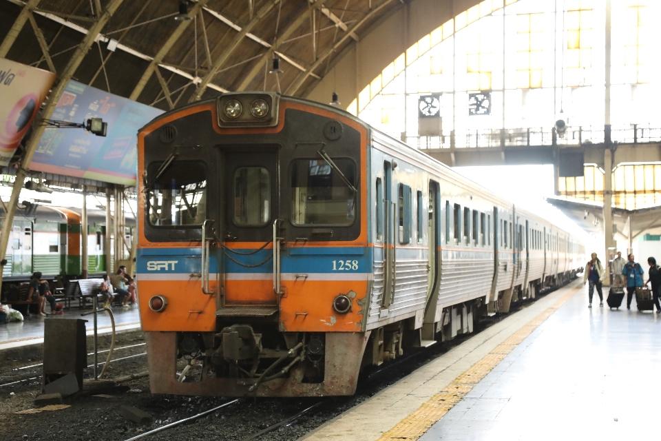 バンコク 電車