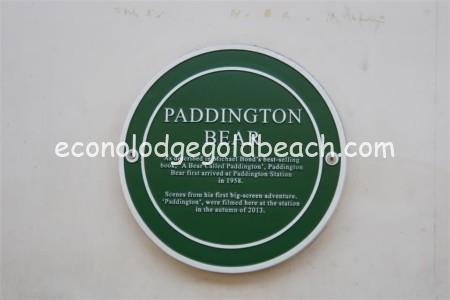 パディントンの案内板