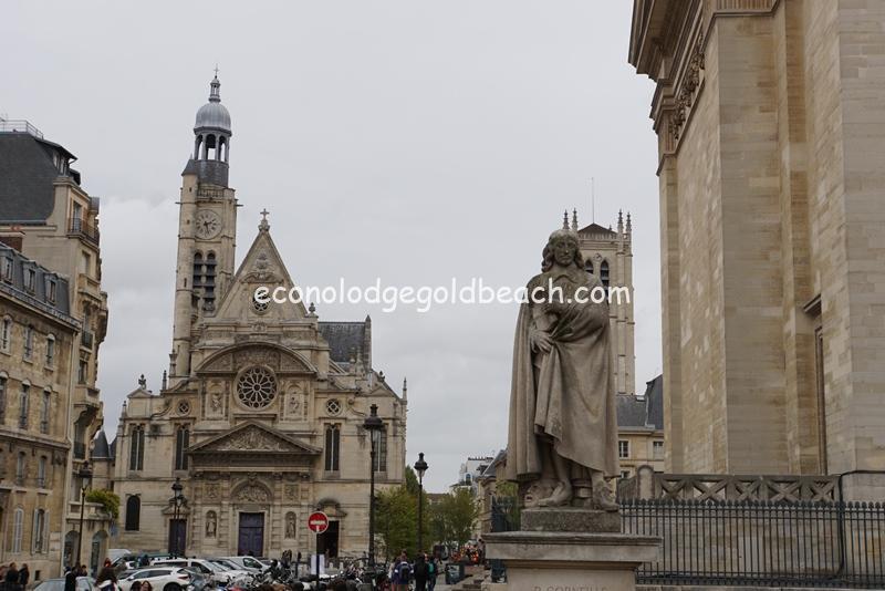 サンテティエンヌ・デュ・モン教会