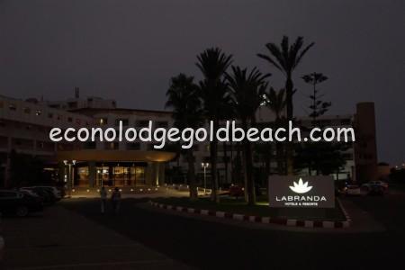 夕刻のホテル